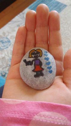 Kızımın taş boyama sevgisi...