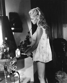 Blonde Bombshell Brigitte Bardot Vintage 1959 Come Dance With Me! Bridgitte Bardot, Julie Christie, Britt Ekland, Old Hollywood Stars, Hollywood Glamour, Classic Hollywood, Marlene Dietrich, French Actress, Classic Beauty