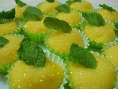 O Docinho de Abacaxi (Abacaxizinho) é um docinho delicioso, fácil de fazer e que irá fazer a diferença nas suas festinhas. Experimente! Veja Também: Docinh
