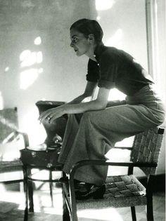 annemarie schwarzenbach (photo of lisa von cramm as annemarie photographed by marianne breslauer in berlin, 1934