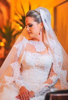 lace sleeves wedding dress elegant