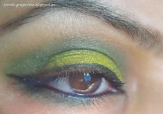 Easy to eyemakeup in the closed banana style