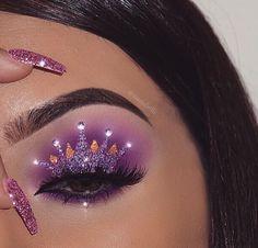 graceful Glamour Make Up with Crown Eyeshadow New Trends Makeup On Fleek, Cute Makeup, Glam Makeup, Pretty Makeup, Skin Makeup, Makeup Inspo, Makeup Art, Makeup Inspiration, Beauty Makeup