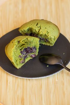 Azuki, anko, koshi-an, tsubu-an... tous ces termes japonais ont un point commun : le haricot rouge à la base de nombreuses pâtisseries japonaise wagashi.