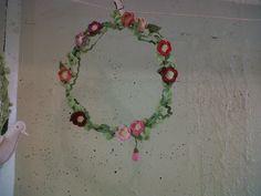 coroa de flores de crochê