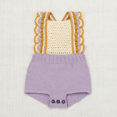 Meet Misha and Puff, the cutest hand knit clothing for babies and kids. Misha and Puff, the label that makes us completely obsessed. Crochet Romper, Newborn Crochet, Crochet Clothes, Hand Crochet, Crochet Baby, Crochet Bikini, Knit Crochet, Knitted Baby Romper, Misha And Puff