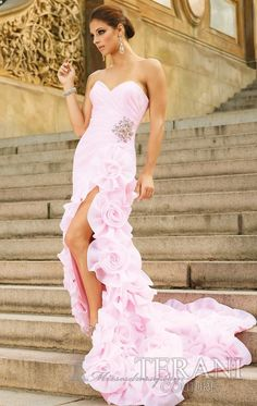 Wish I had somewhere to go to WEAR A DRESS this GORGEOUS!!
