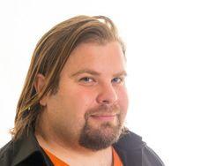 Mediasihteeri, radiotyö Tode Jurvanen. Kuva: Philippe Gueissaz