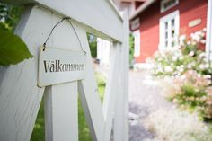 Trädgård - Liljedal I Fall In Love, Fence, Scandinavian, Cottage, Outdoor Decor, Summer, Life, Home Decor, Summer Time