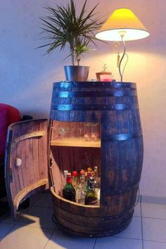 Bar in a whiskey barrel whiskey barrel table, wine barrel bar, whiskey barrels, Vin Palette, Barris, Woman Cave, Man Room, Home Projects, Diy Furniture, Barrel Furniture, Man Cave Furniture, Furniture Design