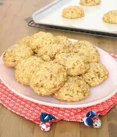 Maple, nuts, and brown butter turn traditional oatmeal cookies into a wonderful flavor experience! - Bake or Break #spon @thepamperedchef