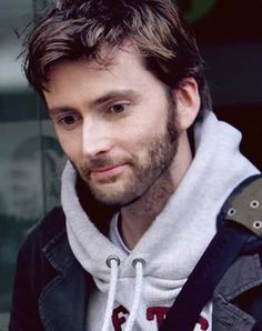 """I usually NEVER pin actors or actresses because I don't think people should """"look up"""" to them, but David Tennant is an exception. Tom Hiddleston, Youtubers, Broadchurch, Michael Sheen, 10th Doctor, Jessica Jones, Matt Smith, British Actors, Dr Who"""