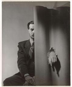 Portret van de surrealistische schilder Hans Brackelé, Paul Huf, 1949