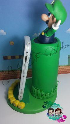 ****Porta celular Luigi****  Lindo suporte personalizado para seu celular, feito em biscuit  Deixe sua mesa muito mais animada !!!
