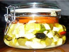 Nakladaný ovčí syr v olivovom oleji Chicken, Meat, Food, Meal, Essen, Cubs