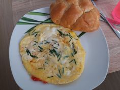 Omelette with ham and cherry🍳