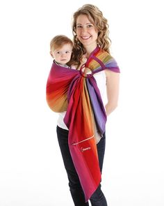 505d22aa87f Create a strong and unique relationship with your baby in the first weeks  with Chimparoo ring slings! Discover our Ring Sling Pleated model!