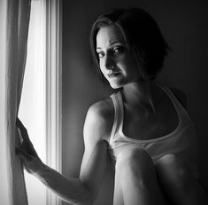 Ambient indoors portrait by Anna Leavitt  #photography #portriature #tips #howto