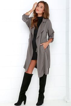 Bundle up in style with the Black Swan Emma Dark Grey Trench Coat be your go-to! Lightweight woven coat has long button-tab sleeves, sash belt, and slits. Trend Fashion, Look Fashion, Sexy Fall Fashion, Fall Fashion Boots, Net Fashion, Fall Fashion Outfits, Fashion Black, Lolita Fashion, Petite Fashion
