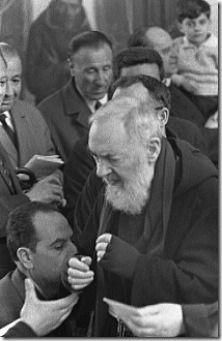 Como era a confissão com Padre Pio