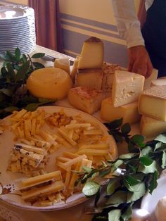 September 1st : Wedding party. Tasty Cheese-Starters .