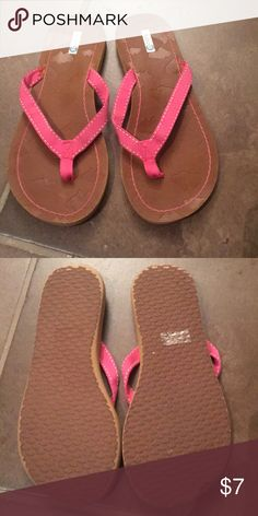 1c7a03fe79a Studio 35 Flip Flops Pink Ribbon  amp  Stitching Flip flops with hearts in