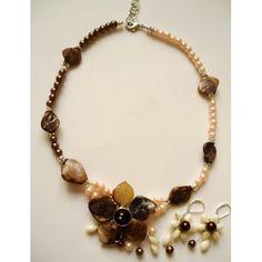 Perle din sticla sferice albe cu diametrul de 4 mm, cantitate 10 grame, aproximativ 100 buc