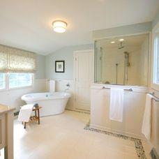 traditional bathroom by The Kitchen Studio of Glen Ellyn