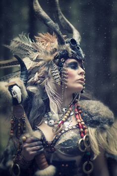 You are in the right place about Valkyrie Headdress. Tattoo Design And Style Gal - Warrior Girl, Fantasy Warrior, Warrior Princess, Character Inspiration, Character Art, Character Design, Fantasy Characters, Female Characters, Vikings