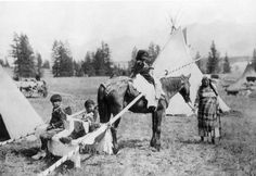 Assiniboine family - 1922