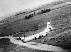 Rare photo of a USAAF Boeing B-29 in low flying, WWII