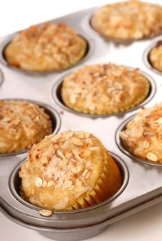 Thermomix apple, oat and sultana muffins by Cyndi O'Meara. Thermomix Desserts, Gluten Free Desserts, Muffin Recipes, Baking Recipes, Dessert Recipes, Cake Recipes, Coconut Muffins, Oat Muffins, Bellini Recipe