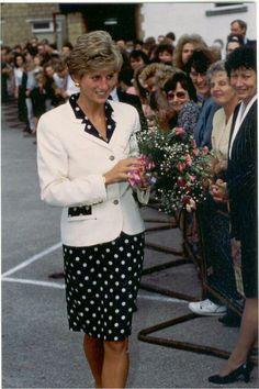 Princess♛Diana  12 Sept1991 Diana visited St Gemma`s Hospice, Leeds, Yorkshire