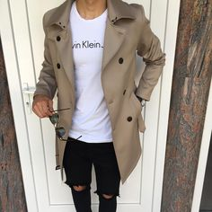 Royal Fashionsit is the best Men's Fashion Guide. Here you will find the latest trends on men's style. Get inspired with these outfits and leave your comment below. Stylish Men, Men Casual, Urban Fashion, Mens Fashion, Style Fashion, Fashion Guide, Moda Hipster, Der Gentleman, Casual Outfits