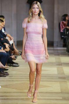 Carolina Herrera Spring 2016 Ready-to-Wear Fashion Show - Martha Hunt