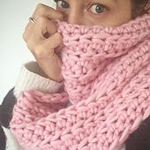 Ravelry: Off The Rails Infinity Scarf pattern by Dora