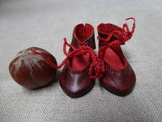 TINY DOLL SHOES FOR ANTIQUE OR MODERN GERMANY OR FRENCH DOLL / Puppenschuhe