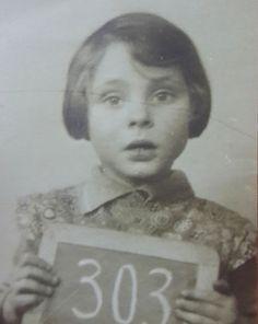Una superviviente del Holocausto encuentra estas fotografías antiguas y resuelve un misterio #viral