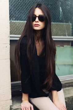 I really want this now.  Like my mom in the 70's or something! Straight dark hair. #beautiful #style #healthy #sunglasses