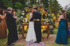 Casamento boho: beijo - Foto Thrall Photography