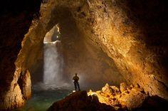 Majlis al Jinn Cave , Oman