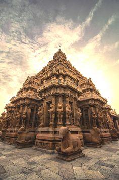 https://flic.kr/p/pogRsV | Kailasanathar Temple. Kailasanathar temple is one of the Navagraha Temples Located near Kumbakonam,Tamil Nadu The Kailasanathar temple known as the Navagrahastalam associated with Chandra the moon, is located in the hamlet of Tingaloor not far from Tiruvaiyaru near Thanjavur in Tamilnadu.