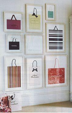Que #mulher nunca quis guardar aquelas sacolas maravilhosas das lojas de grife? Esta é uma boa ideia para aproveitá-las na #decoração, criando uma arte cheia de charme