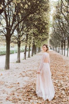 Vintage inspired wedding in Paris - Paris, France - Daria Lorman Photography Vintage Inspired, Wedding Shoot, Wedding Dresses, Wedding Inspiration, We Get Married, Palais Royal, Small Bouquet, Look At The Stars, Eiffel