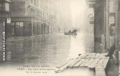 Paris, January 1910 - Rue Saint André des Arts. The man is just going out of the passage du Commerce, next le Mazet :-)
