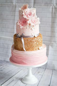 Romantic weddingcake water color gold pink flowers ruffles