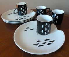 Memphis era or not, these plates and cups have a great graphic pattern \\\ @eBay #followitfindit