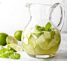 This delicious white wine sangria is guaranteed to be a hit. Honeydew melon, cucumber, lime and fresh mint leaves give a fresh, fruity taste to this homemade white sangria recipe. Summer lovin' is as close as your cup! Cocktails, Cocktail Drinks, Fun Drinks, Yummy Drinks, Alcoholic Drinks, Beverages, Gold Drinks, Fruity Sangria Recipe, Sangria Recipes