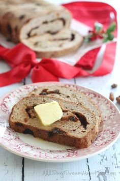 Low Carb Gluten-Free Cinnamon Raisin Swirl Bread Recipe | All Day I Dream About Food