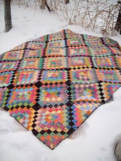 My Quilt Diet...: Scrappytripalong is FINISHED!!! :D (I think the black totally makes this one!)
